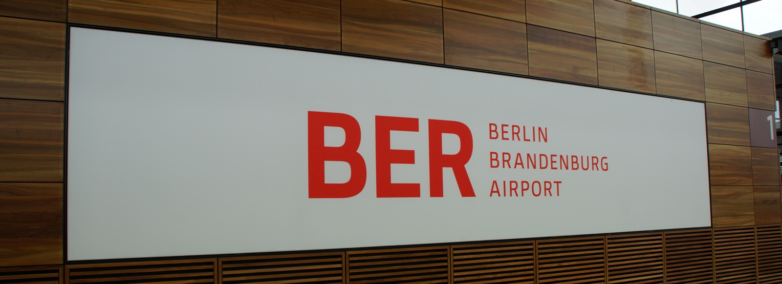 berlin brandenburg airport taxi transfers and shuttle service