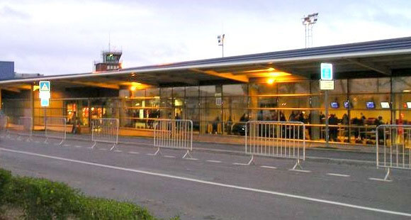 Transfer from paris airport to beauvais till airport - Paris porte maillot beauvais airport ...